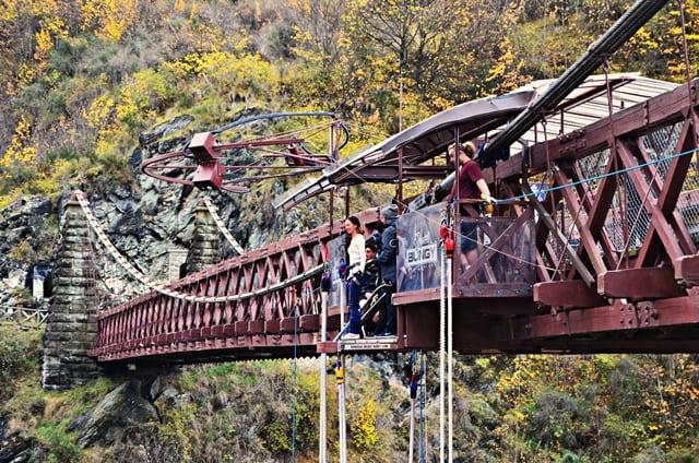 Bungy jumping z Kawarau Bridge